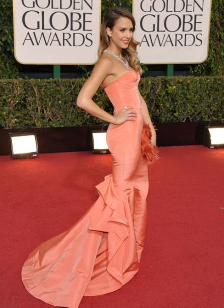 Jessica Alba en Oscar de la Renta (AP)