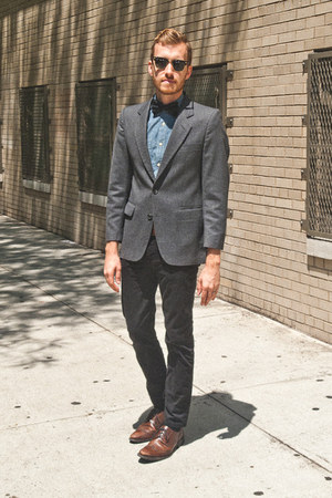 brown-wingtip-alfani-shoes-navy-chambray-j-crew-shirt-black-clumbaster-ray-b