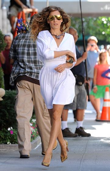 Sarah Jessica Parker como Carrie Bradshaw en una de las escenas de la película Sex and the City.