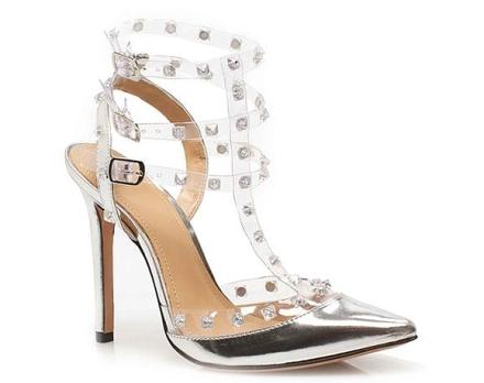 Tacón puntiagudo  My Shoes con tirillas metálicas y rhinestones.