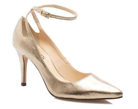 Zapato puntiagudo Idore de taco moderado.